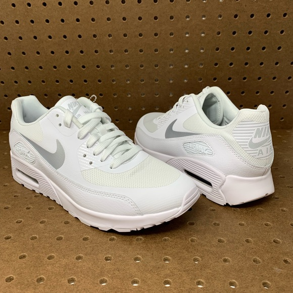 100% authentic 5de28 88ba9 Nike Air Max 90 Ultra 2.0 Women's Running Shoes